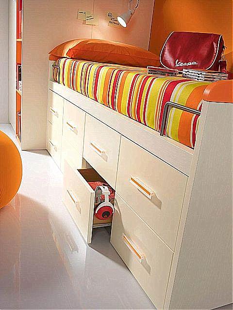 Παιδικό κρεβάτι καναπές  Spar Arreda Web-Surf divano 8 cass ruote