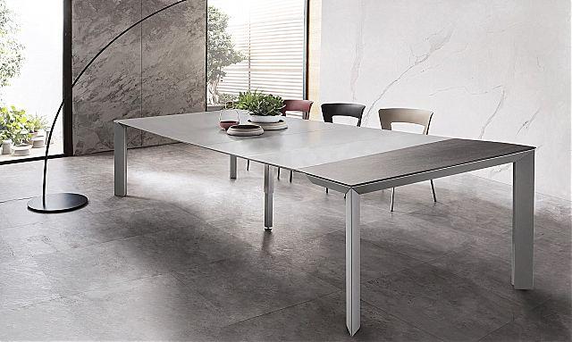 - Παρουσίαση της εταιρείας Riflessi για το Manhattan Extendable τραπέζι τραπεζαρίας.